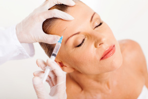 Stirnfalte / Therapie mit Botox